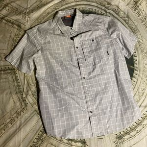 Merrell short sleeve button up travel shirt